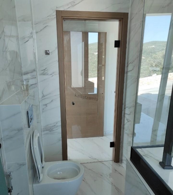 Γύαλινη πόρτα ασφαλείας εσωτερικού χώρου, 10mm securite glass ,kallistzamia,kallisglass,ΚΑΛΛΗΣ GLASS