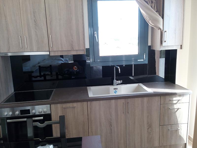 Γυάλινη πλάτη κουζίνας #lacobelglass #ralcolor #artglass#kallisglass#kallistzamia#arta
