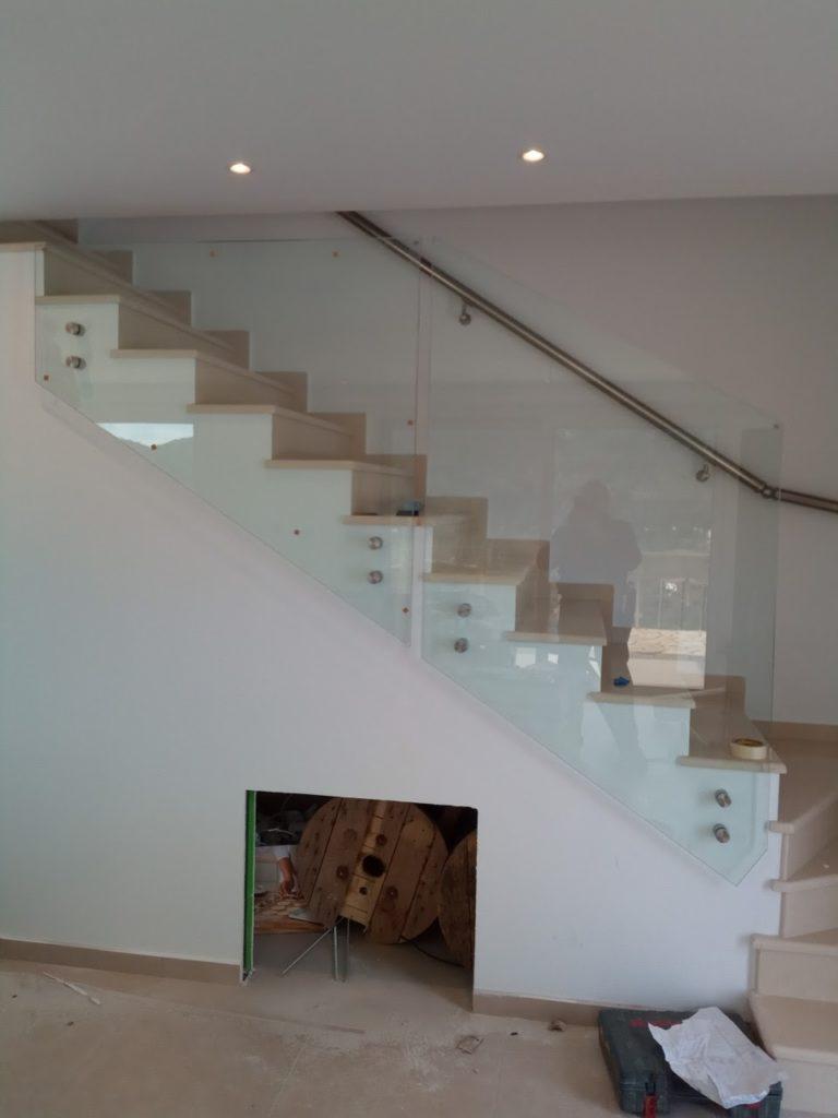Γύαλινη σκάλα